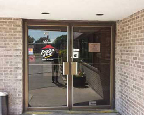 Pizza Hut window sign