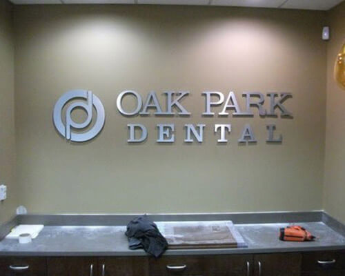 Oak Park Dental sign