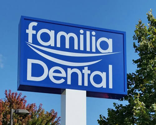Familia Dental freestanding sign